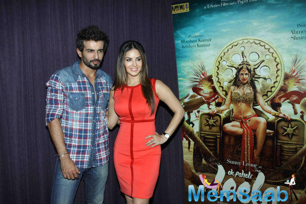 Sunny And Jay Posing Duriing The Press Meet Of Ek Paheli Leela