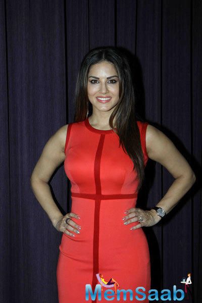 Sunny Leone Looks Dazzels At The Press Meet Of Ek Paheli Leela
