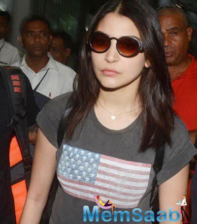 Anushka Sharma Snapped At Kolkata For IPL8 Opening Ceremony