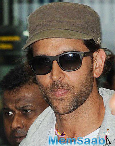 Hrithik Roshan Arrives In Kolkata To Take IPL Opening Ceremony By Storm