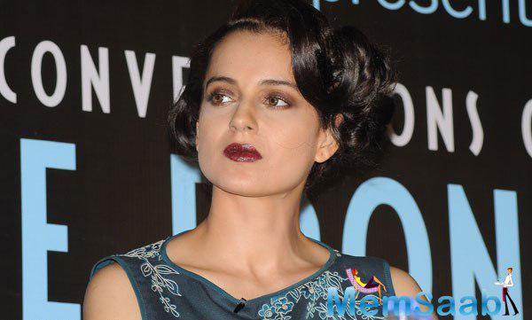 Kangana Ranaut Gorgeous Look In Red Lippy At Anupama Chopra Book The Front Row Launch