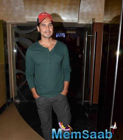 Dino Morea Cool Casual Look During The Premiere Of Film Dharam Sankat Mein