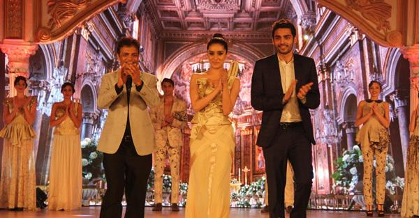 Shraddha Kapoor Walked The Ramp As A Showstopper For Designer Kan