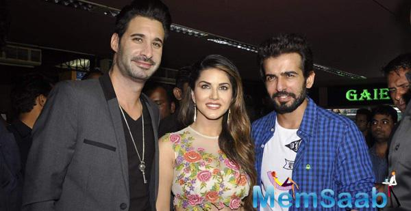 Sunny With Her Hubby And Jay At Ek Paheli Leela Promotions In Gaiety