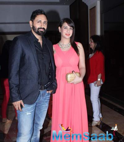 Preeti Jhangiani And Hubby Parvin Dabas Posed During The Anmol Jewellers Era Of Design Fashion Show