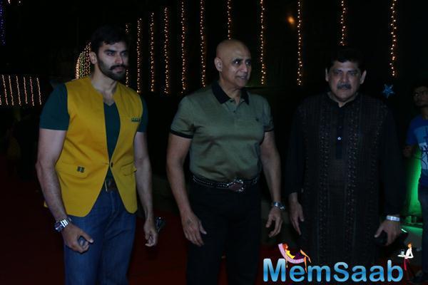 Nikitin Dheer,Puneet Issar And Pankaj Dheer Snapped At Baisakhi 2015 Celebrations
