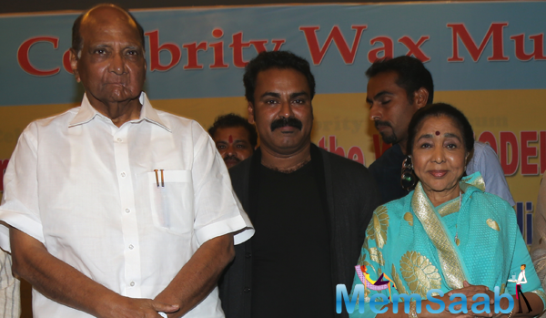 Sharad Pawar And Asha Bhosle's Wax Statues Were Unveiled At Themca Lounge In Wankhede Stadium