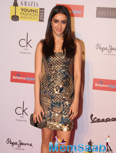 Shraddha Kapoor Shimmery Look At Grazia Young Fashion Awards 2015