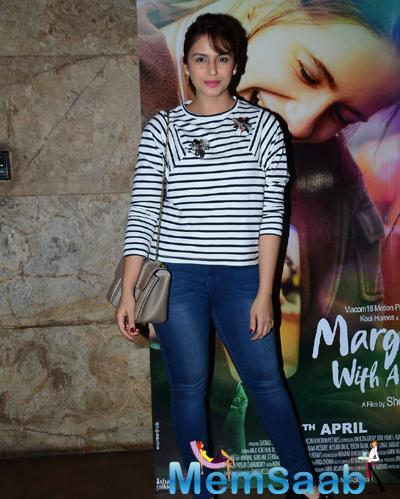 Huma Qureshi Posed During The Screening Of Margarita With A Straw Film