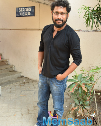Shoojit Sircar Posed For Camera During Media Interaction About Piku Movie