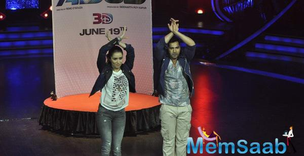 Varun And Shraddha Showed Off Their Dance Moves At DID Super Moms