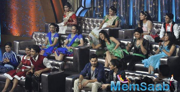 Varun Dhawan And Shraddha Kapoor On Zee Super Moms Sets For ABCD 2 Promotion