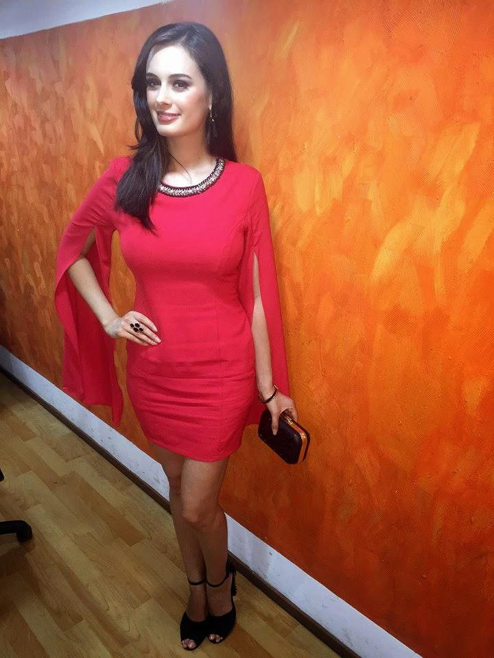 Evelyn Sharma Strikes A Pose At The Promotional Event For Kuch Kuch Locha Hai