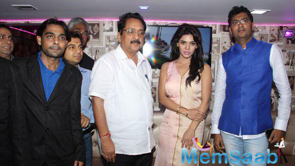 Inauguration Of Dazzle Rest O Lounge By Sara Loren