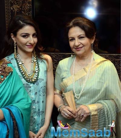 Soha And Sharmila Pose During The Leading Jewellery's Showroom In New Delhi