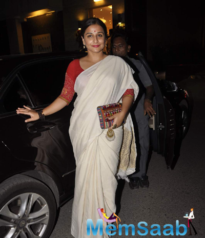 Vidya Balan Arrives With Traditional Outfit At An Art Exhibition