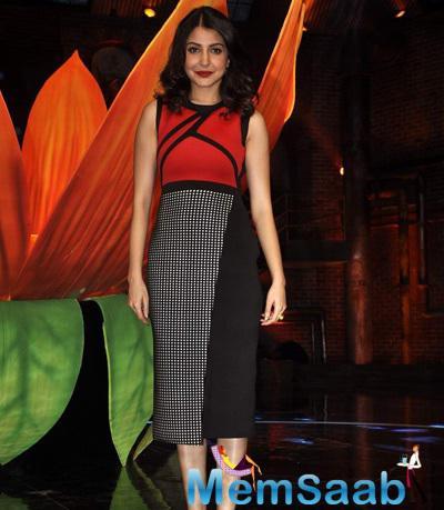 Anushka Sharma Gorgeous Look On The Sets Of India's Got Talent Season 6