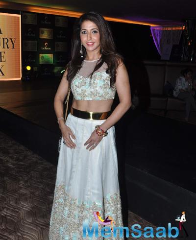Krishika Lulla Posed For Camera During India Luxury Week Meet 2015