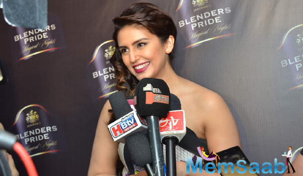 Smiling Huma Qureshi Interacted With Media During Blenders Pride Show 2015