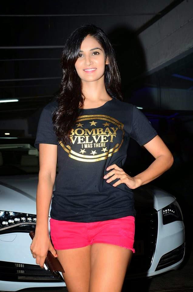 Shakti Mohan Dazzling Look During The Screening Of Bombay Velvet