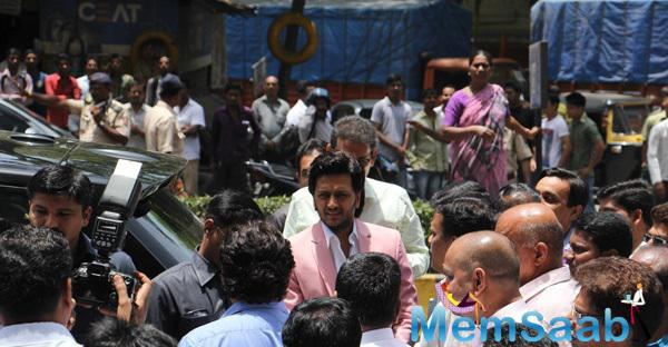 Ritiesh Deshmukh Arrives At Globus ProCon Studio Event