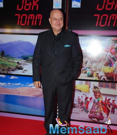 Anupam Kher Smiling Pose J & K Bash To Invite Bollywood To Kashmir