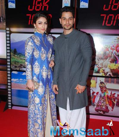 Soha Ali Khan Posed With Hubby Kunal Khemu During J & K Bash To Invite Bollywood To Kashmir