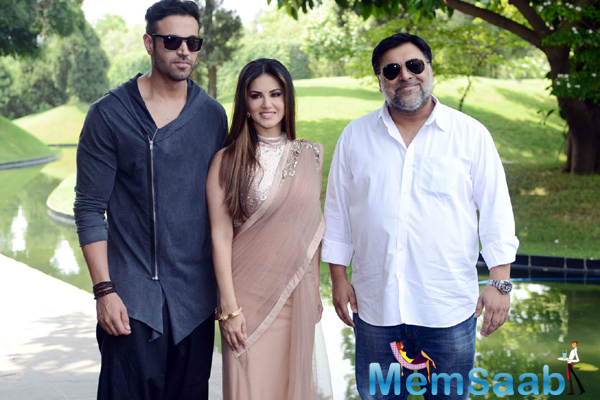 Navdeep Chhabra,Sunny Leone And Ram Kapoor Posed At Delhi During The Promotion Of Ek Paheli Leela
