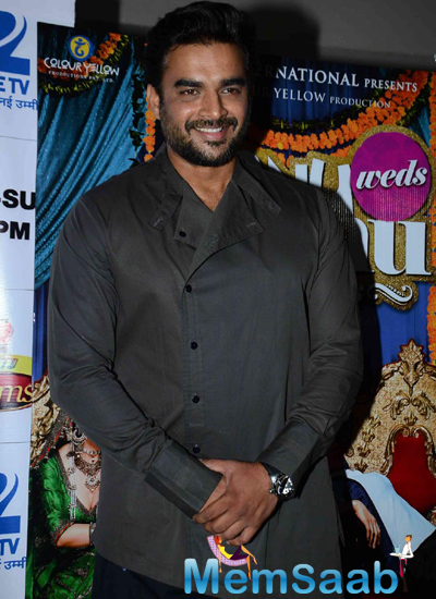 R. Madhavan Flashes Smile During The Promotion Of Tanu Weds Manu Returns On The Sets Of DID