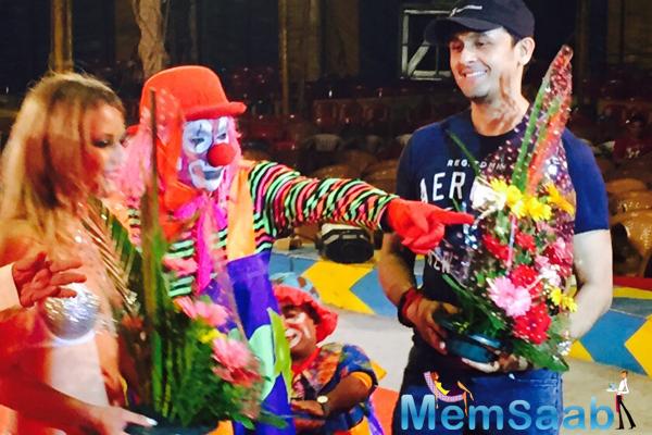 Sonu Nigamg Smiling Posed At International Circus Festival 2015