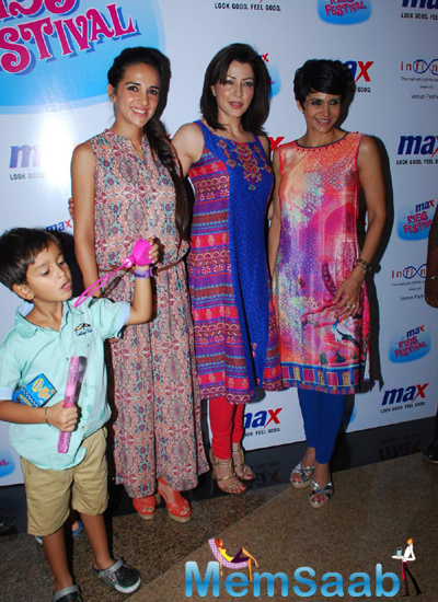 Tara Sharma,Aditi Gowitrikar And Mandira Bedi Posed For Camera During Max Kids Fashion Show