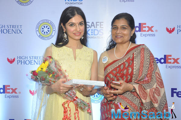 Divya Khosla Kumar Posed For Camera At Safe Kids Day
