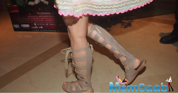 Kangana Wearing A Lovely Shoes At The Press Conference Of Film Tanu Weds Manu Returns