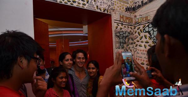 Tiger Shroff Cheerfully Posed With Fans For Pictures