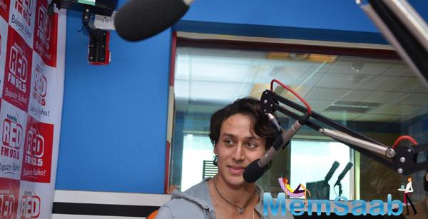 Tiger Shroff Interact With Audiences During The Zindagi Aa Raha Hoon Main Music Promotion