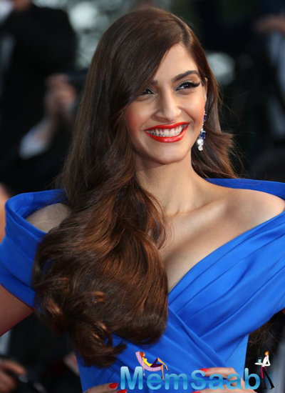 Sonam Kapoor Make A Gorgeous Cannes Appearance In Blue