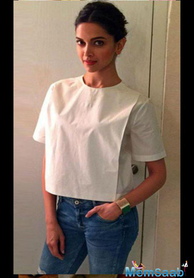 Deepika Padukone Looks Very Stylist In This Outfit