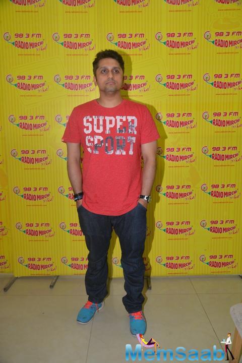 Mohit Suri Cool Pose At Radio Mirchi Studio During The Promotion Of Hamari Adhuri Kahani