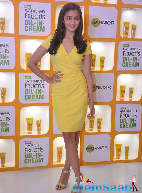 Alia Bhatt In Short Yellow Dress Glamour Look At The Launch Of Garnier Fructis