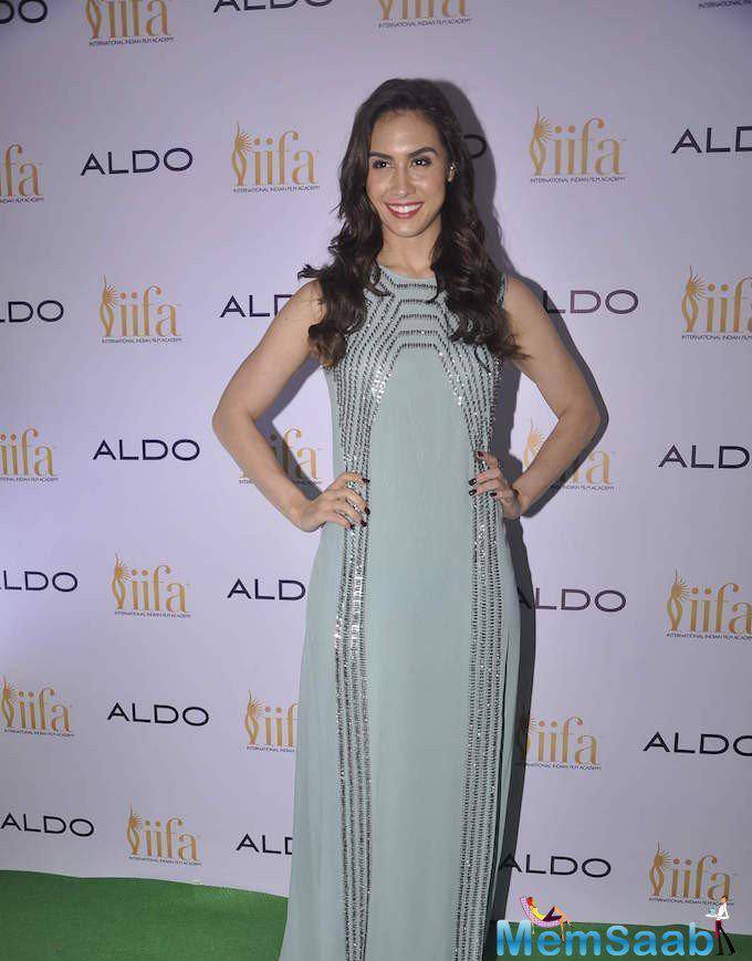 Lauren Gottlieb Smiling Pose At Aldo IIFA 2015 Promotional Event