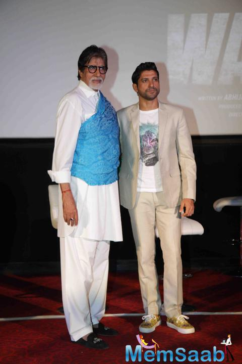 Amitabh Bachchan And Farhan Akhtar Posed During The Trailer Launch Of Wazir
