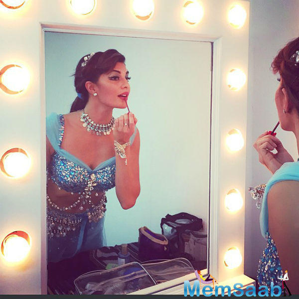 Jacqueline Fernandez Take Make Up For Ready To Going AIBA Awards 2015