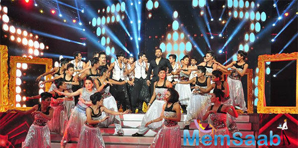 Salman Khan Enthralled The Audience On The Stage At AIBA Awards 2015