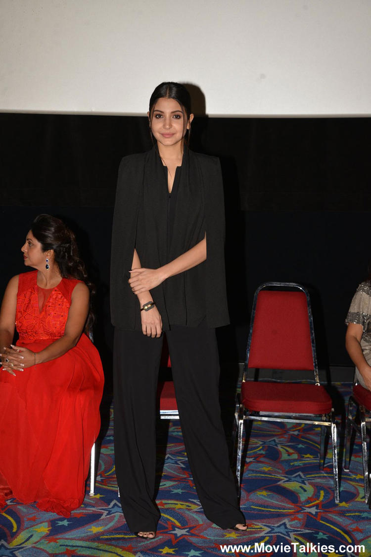 Anushka Sharma Looked Nice In This Black Outfit At DDD IIFA Press Conference