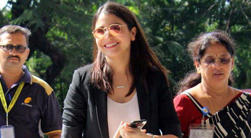 Anushka Sharma Smiling Face Look Towards Camera At Mumbai Airport