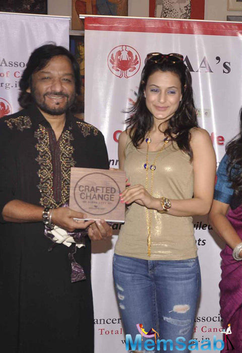 Roop Kumar Rathod And Ameesha Patel Inaugurate The CPAA Art Exhibition 2015