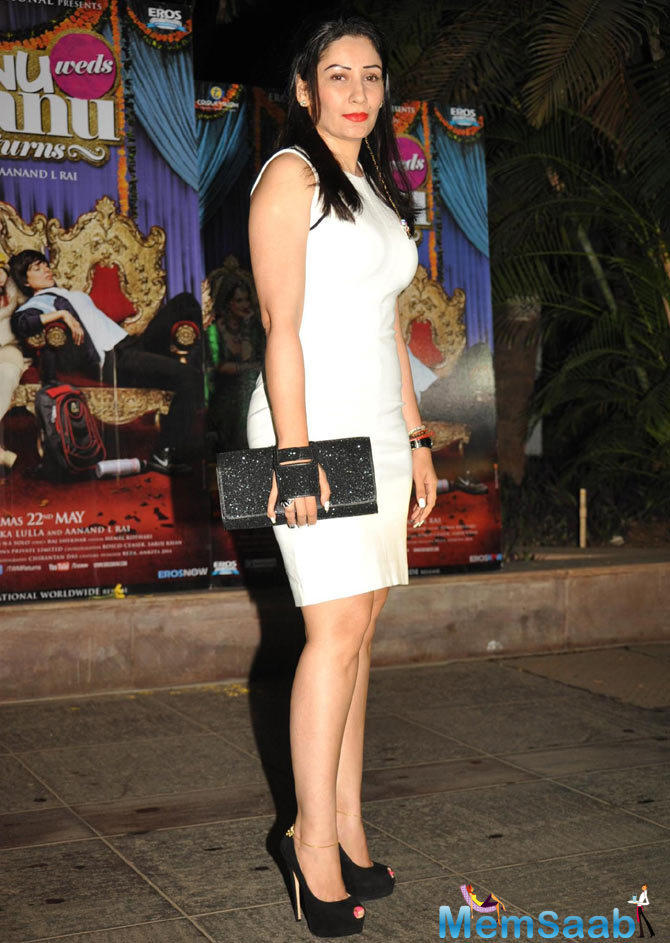 Manyata Dutt Stylish Look In White Dress During The Success Bash Of Tanu Weds Manu Returns