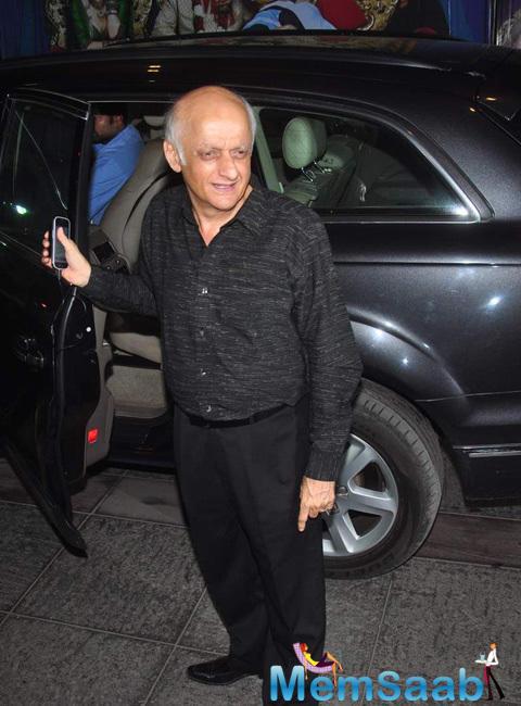 Mukesh Bhatt All Smiles During The Success Bash Of Tanu Weds Manu Returns