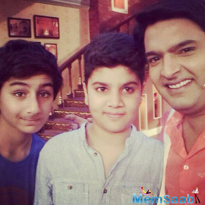 Ibrahim On The Sets Of 'Comedy Nights With Kapil' Along With The Show's Host, Kapil Sharma