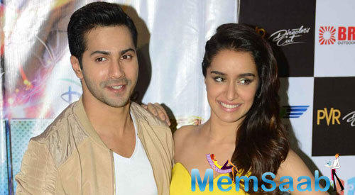 Varun Dhawan And Shraddha Kapoor Smiling Pose At The Promotion Of ABCD 2 In Gurgaon